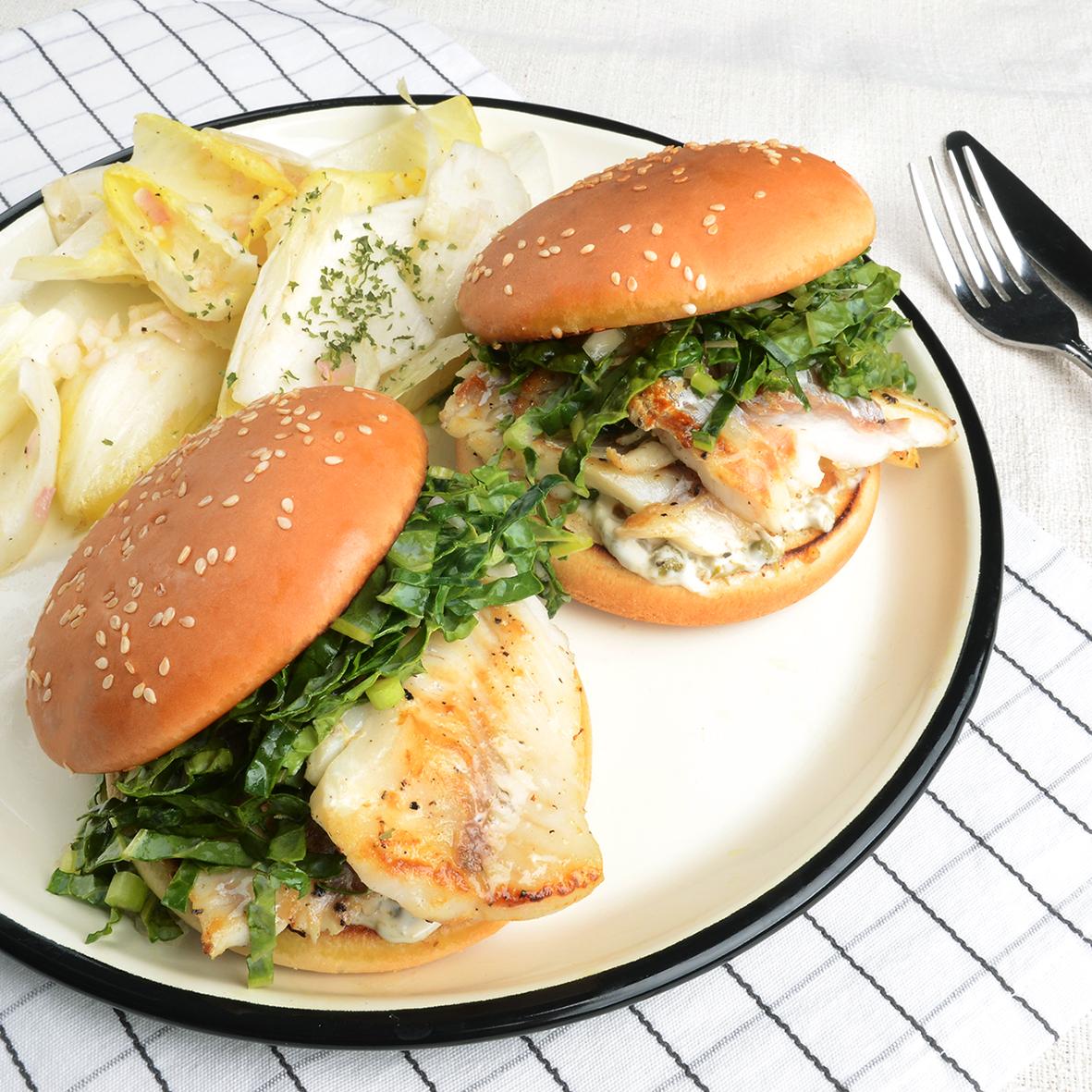 피쉬 버거와 샐러드